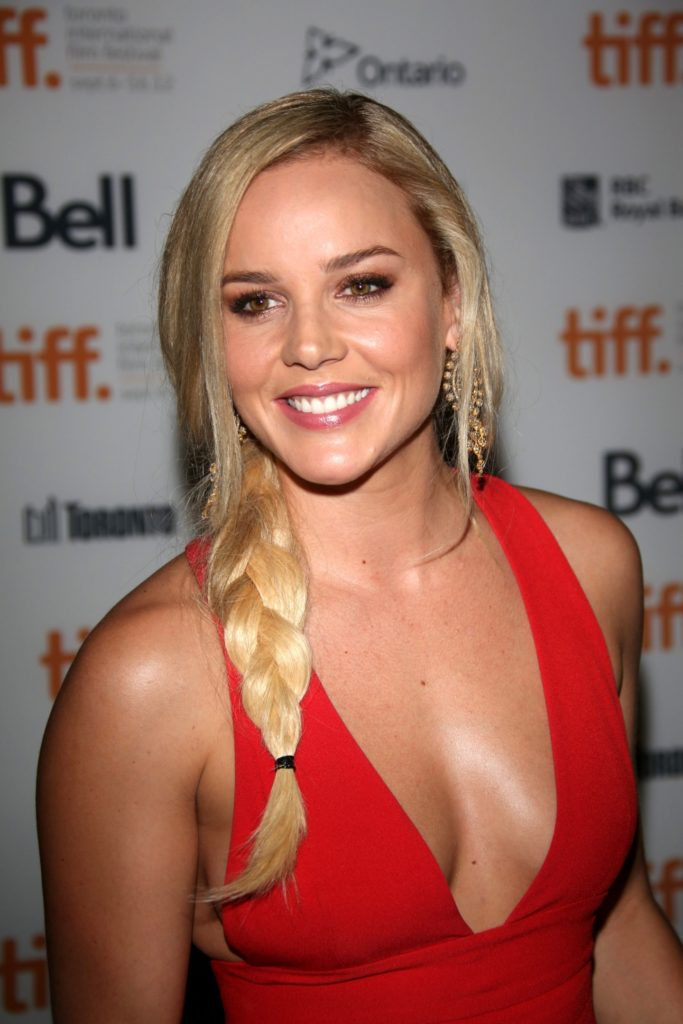 Abbie Cornish Boobs