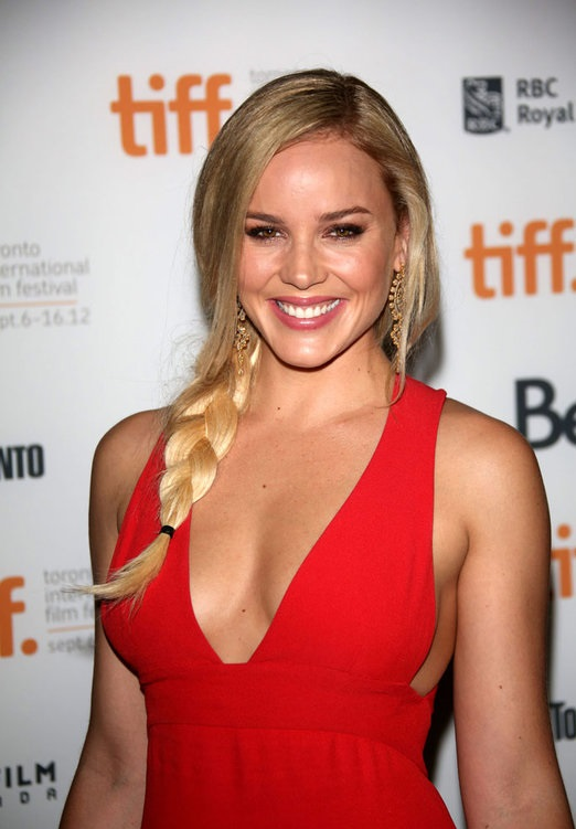 Abbie Cornish Breasts