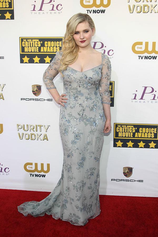 Abigail Breslin At Awards Show Photos