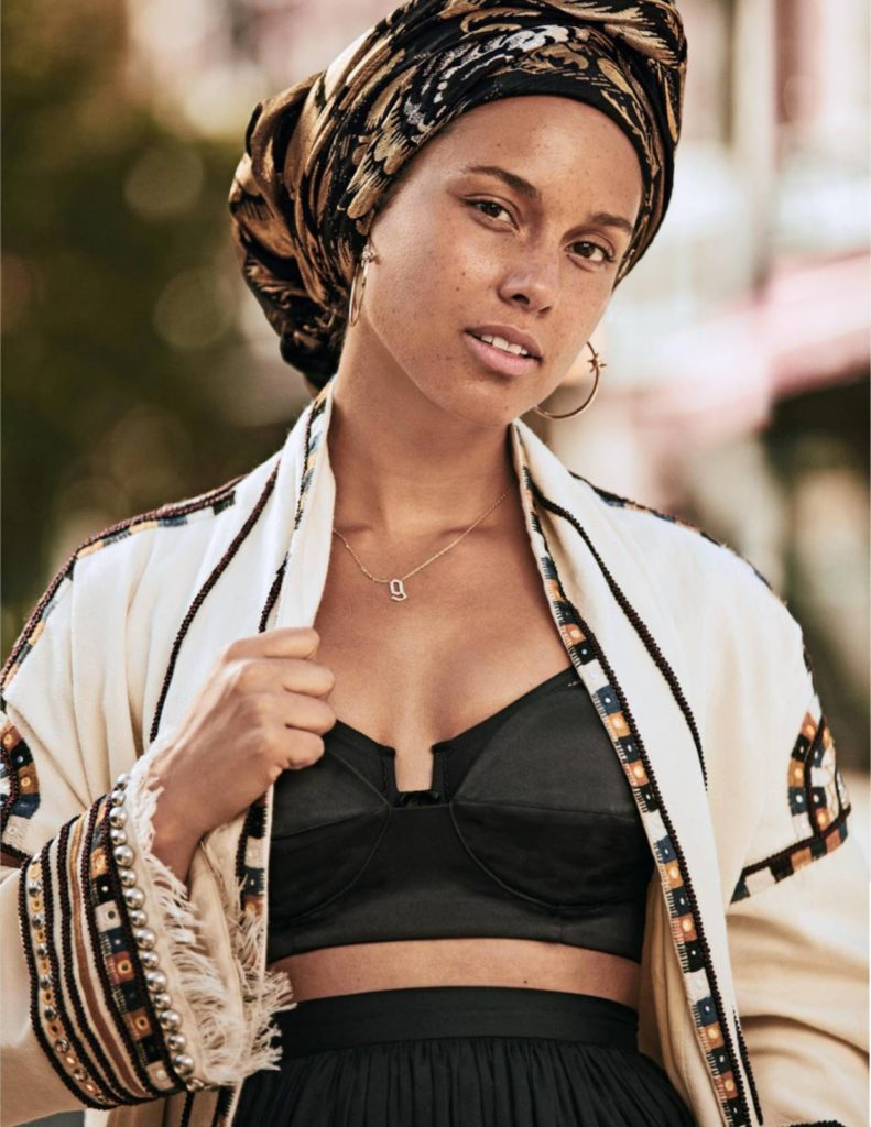 Alicia Keys Undergarments Pictures