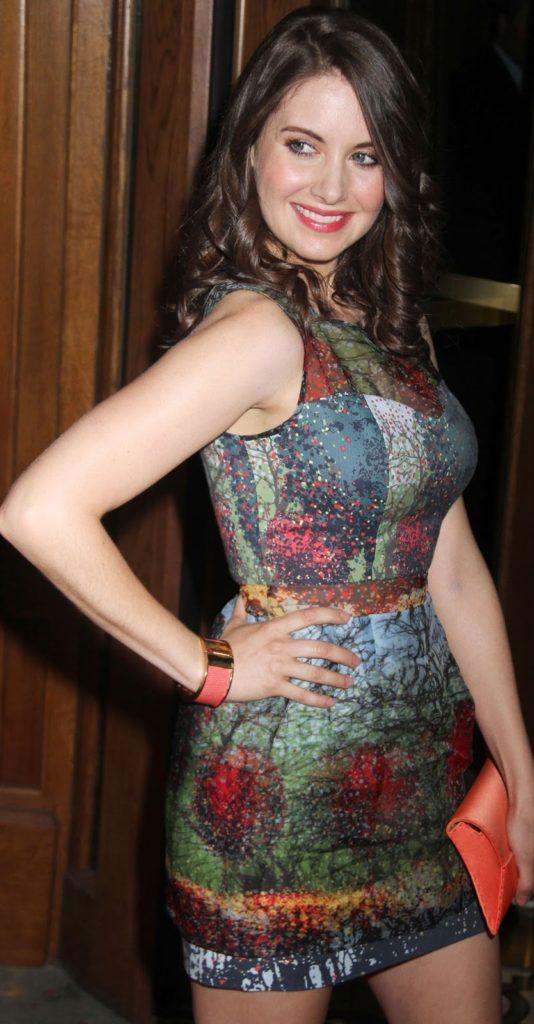 Alison Brie Sexy pics
