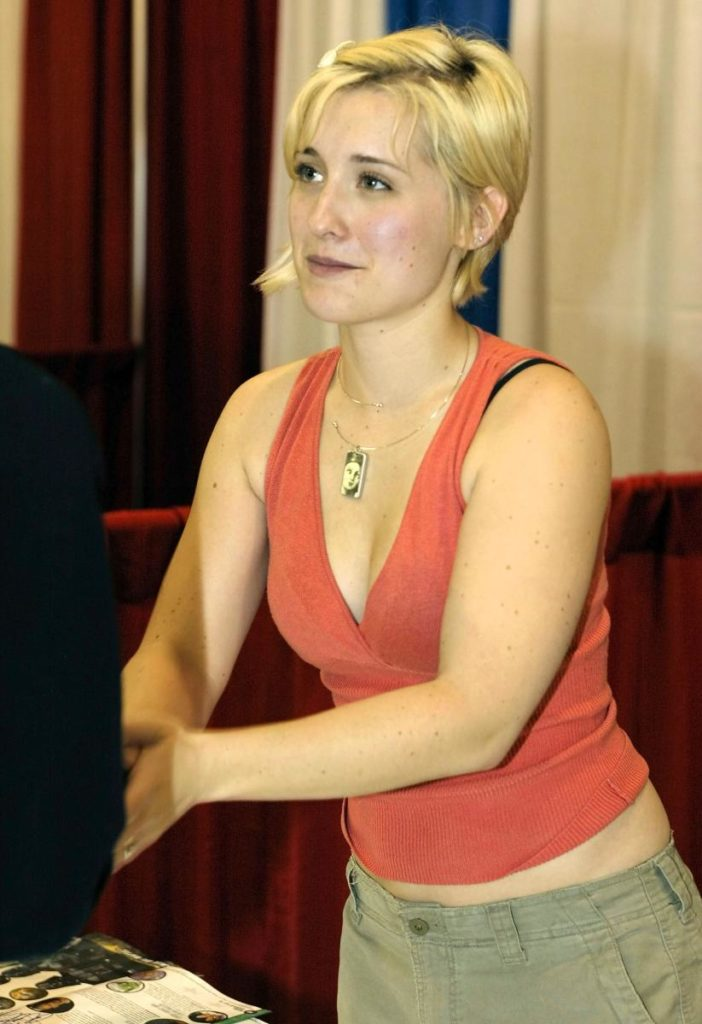 Allison Mack Bathing Suit Pics