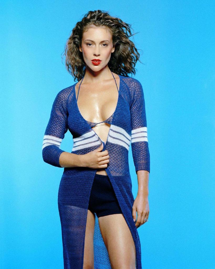 Alyssa Milano Shorts Wallpapers