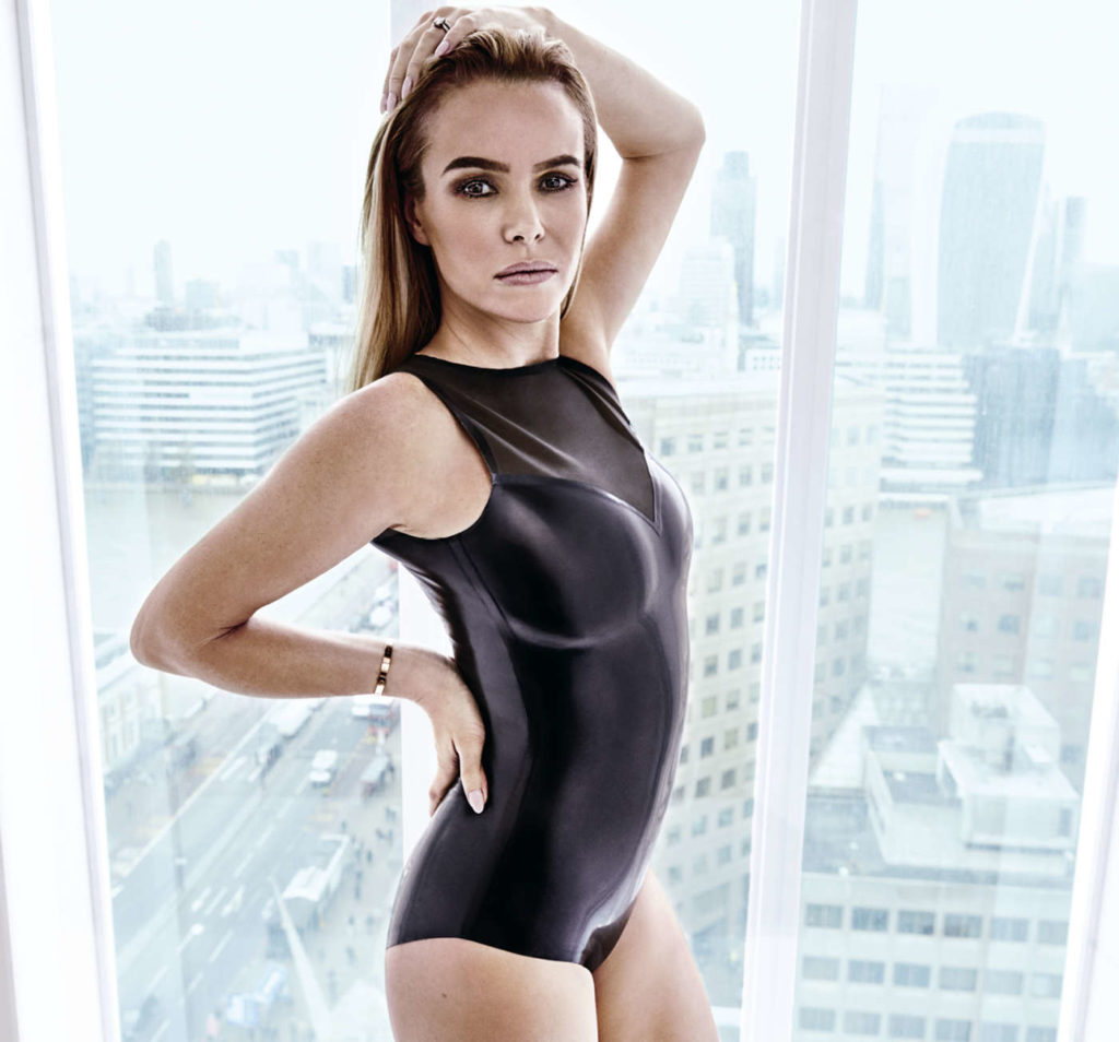 Amanda Holden Bikini Images