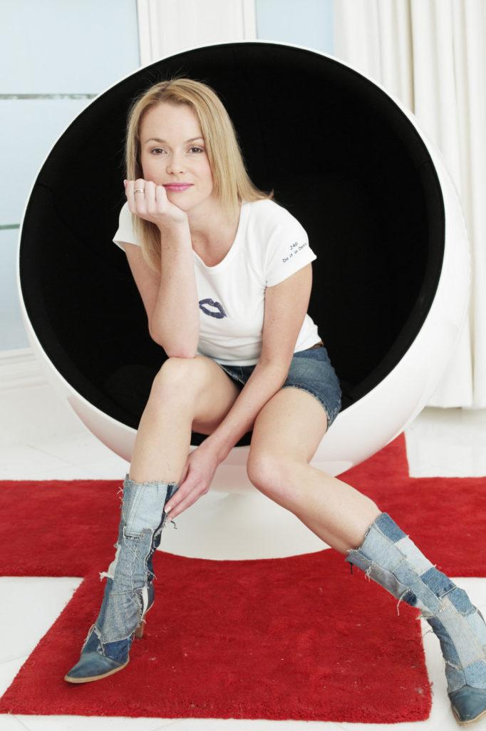 Amanda Holden Feet Images