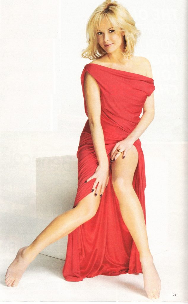 Amanda Holden Full Body Pics