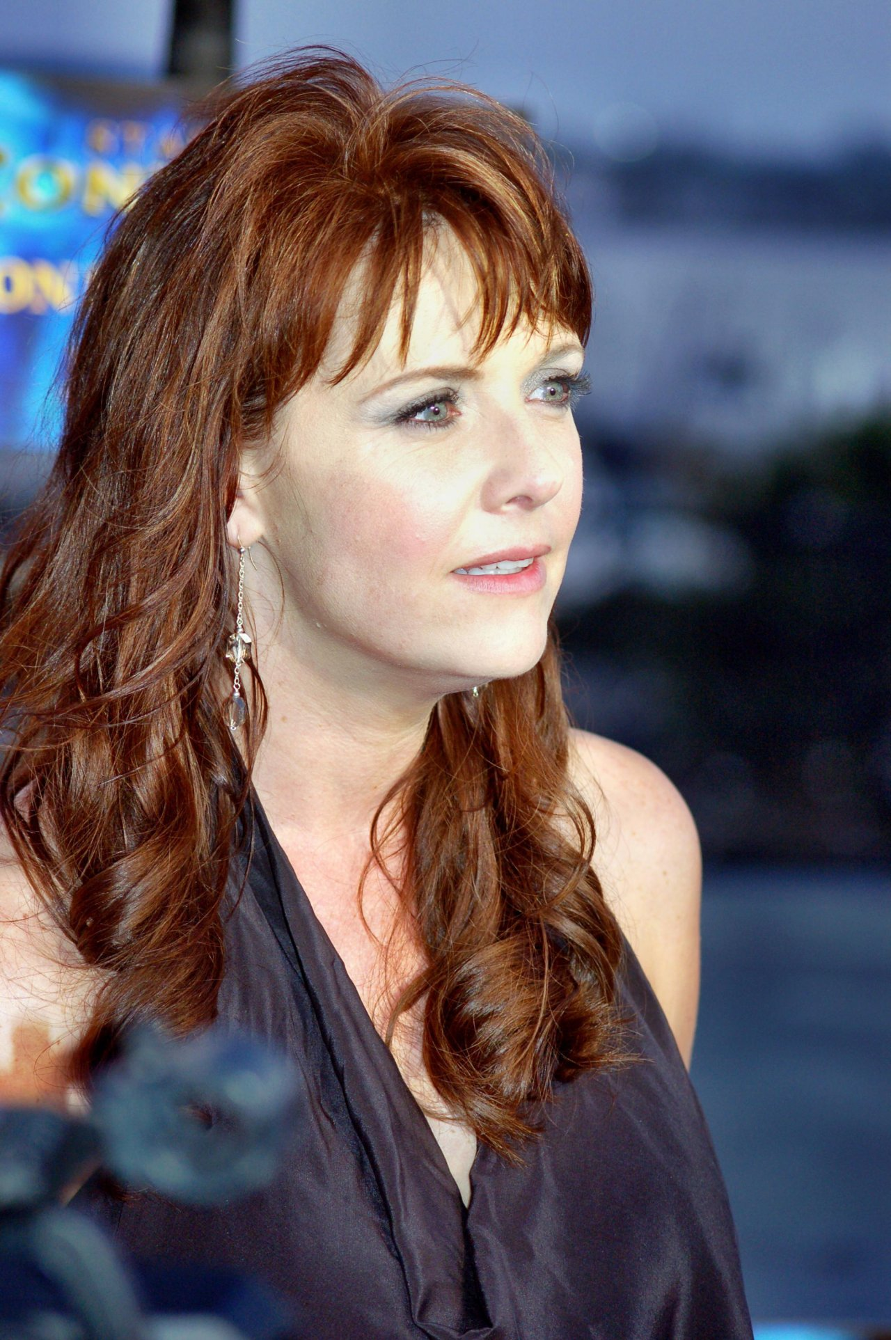 Amanda Tapping Hot Pictures Which Will Make You Fall In