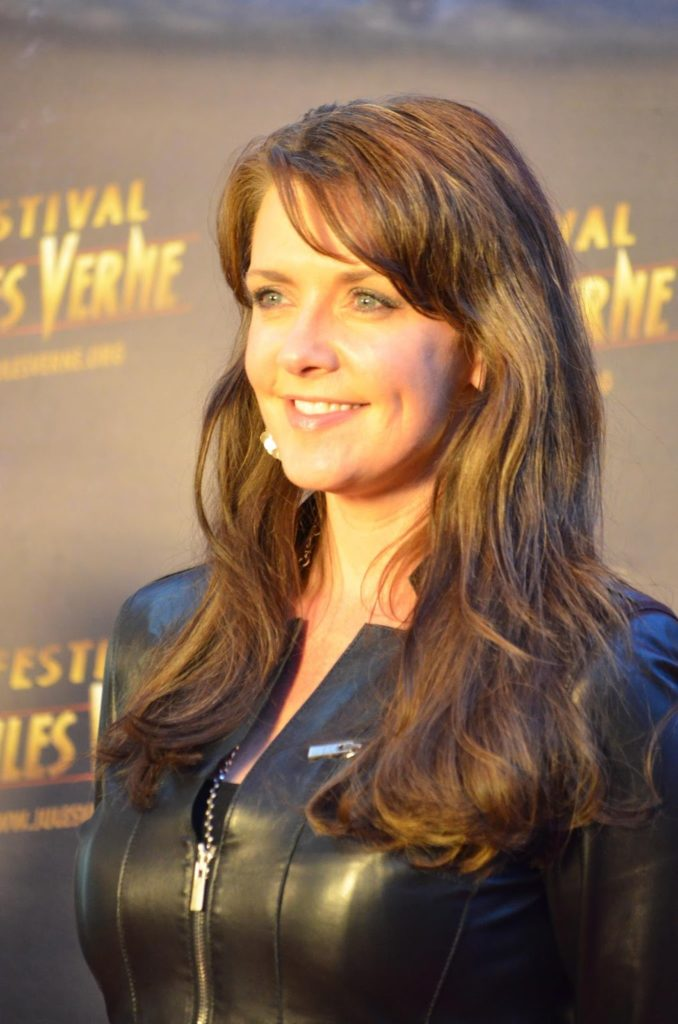 Amanda Tapping Images