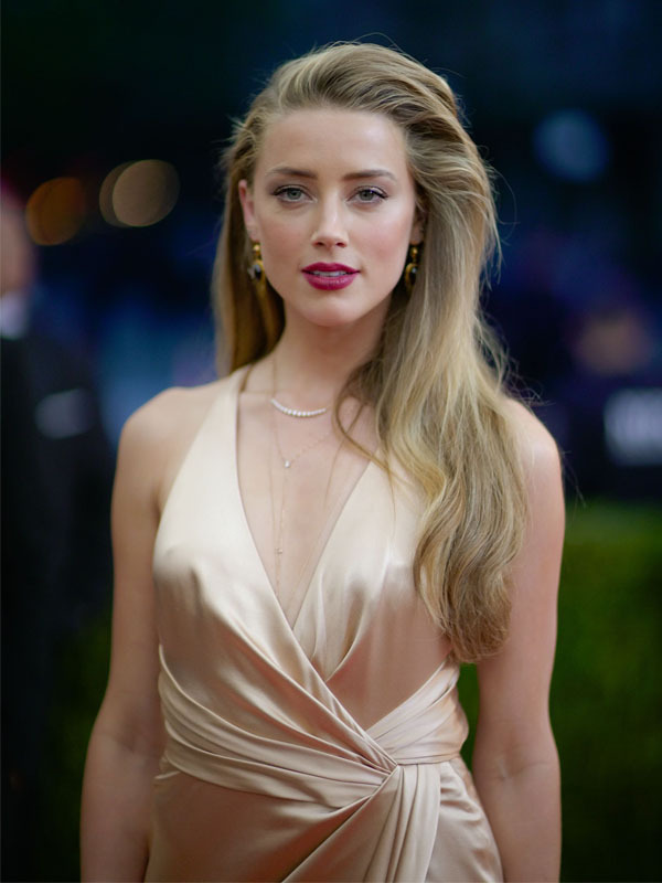 Amber Heard Braless Images