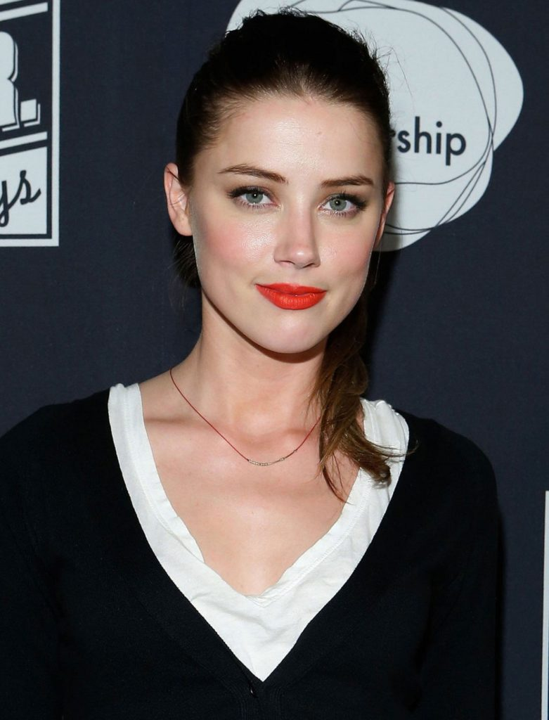 Amber Heard Cute Pictures