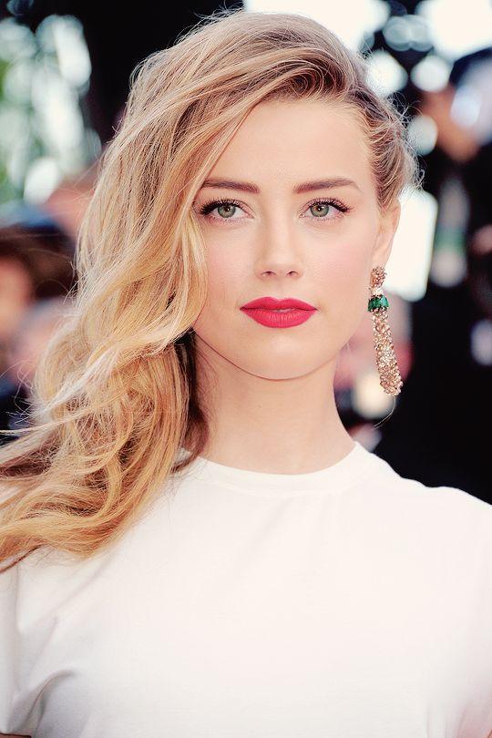 Amber Heard Stylish Pics