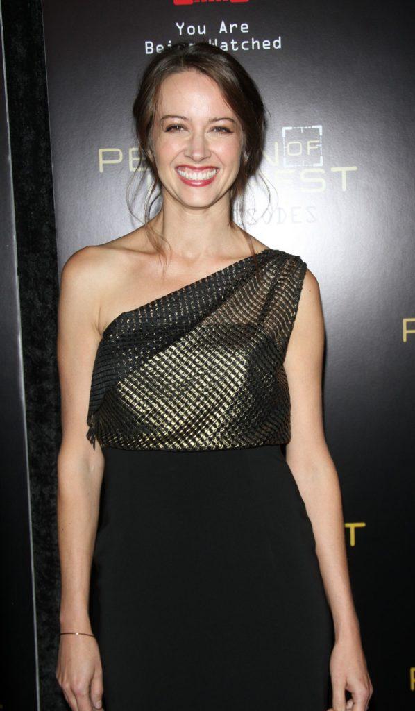 Amy Acker Cute Smile Pics