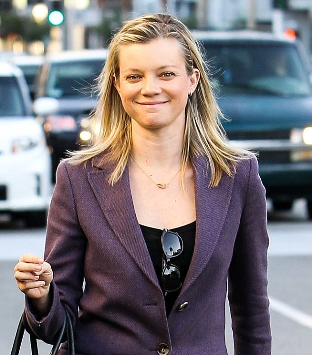 Amy Smart Smile Face Pictures