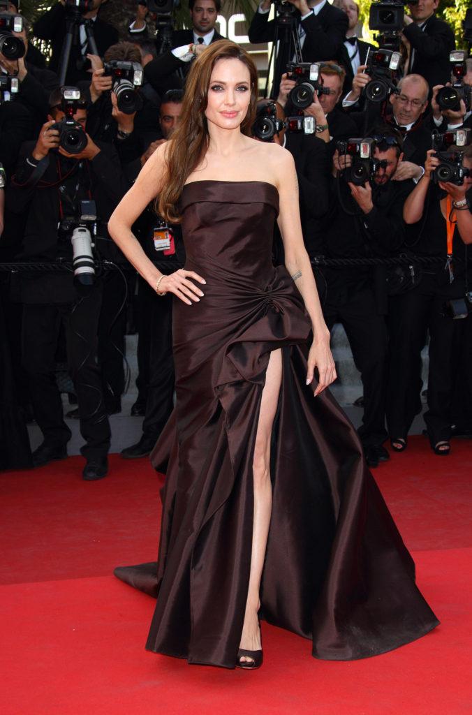 Angelina Jolie Topless Pics