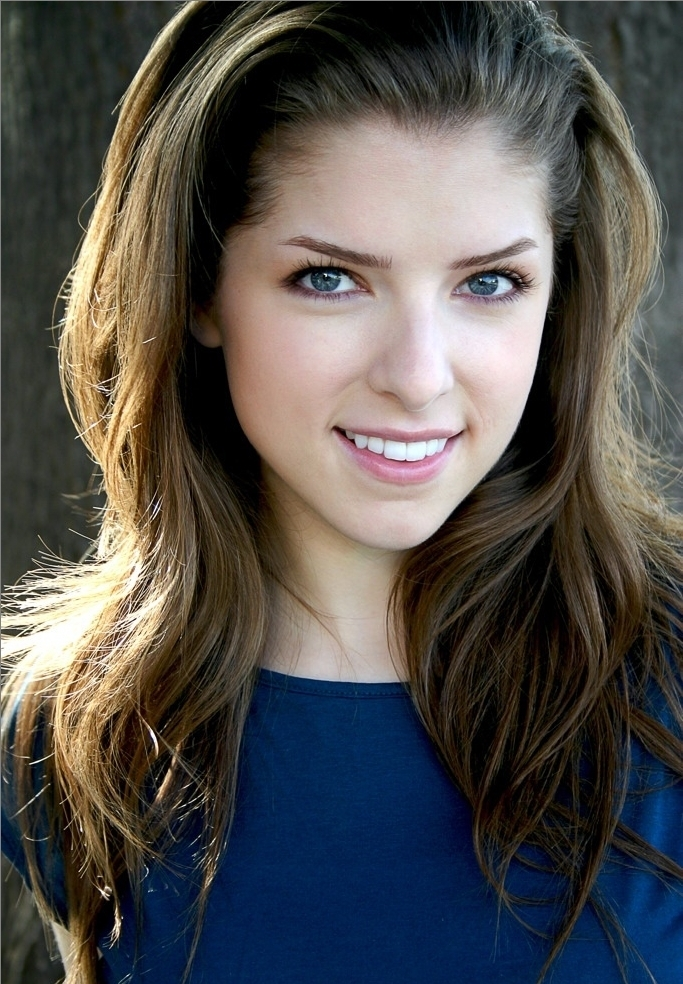 Anna Kendrick Cute Smile Images