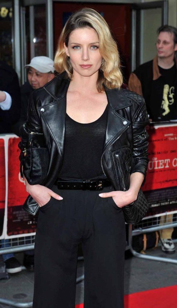 Annabelle Wallis Jeans Pictures