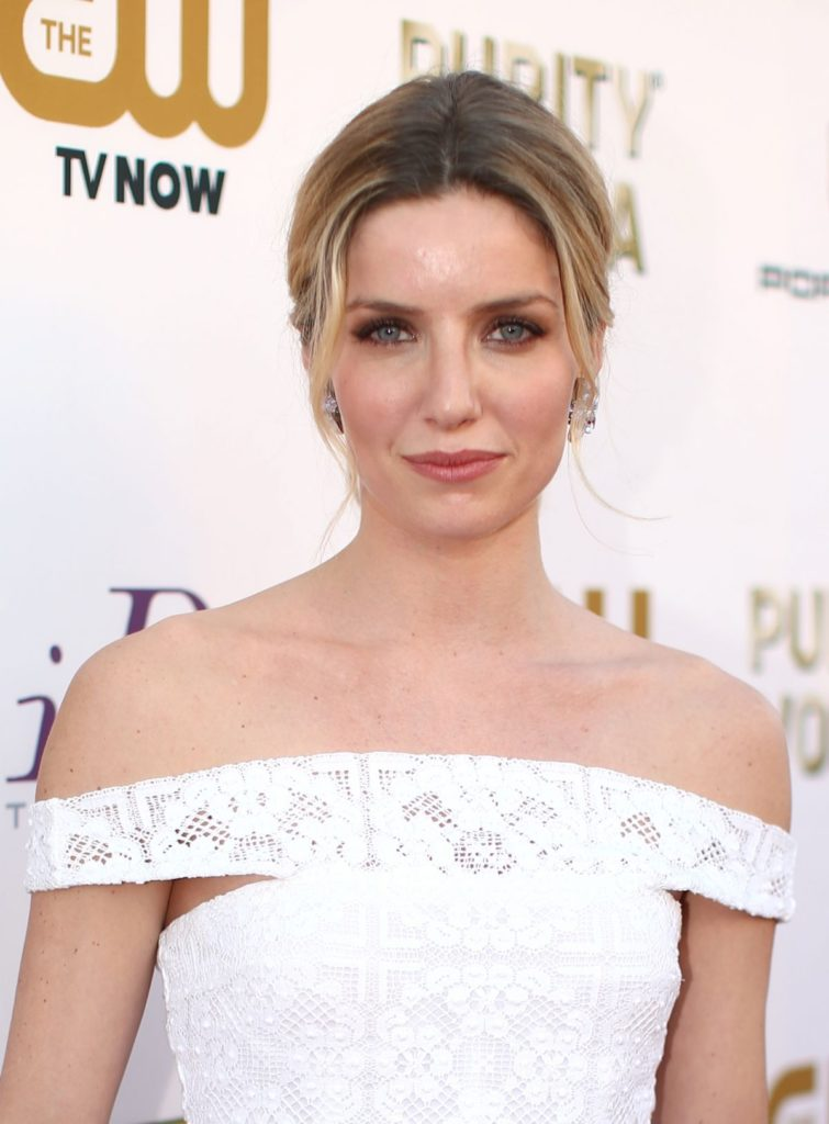 Annabelle Wallis Muscles Wallpapers