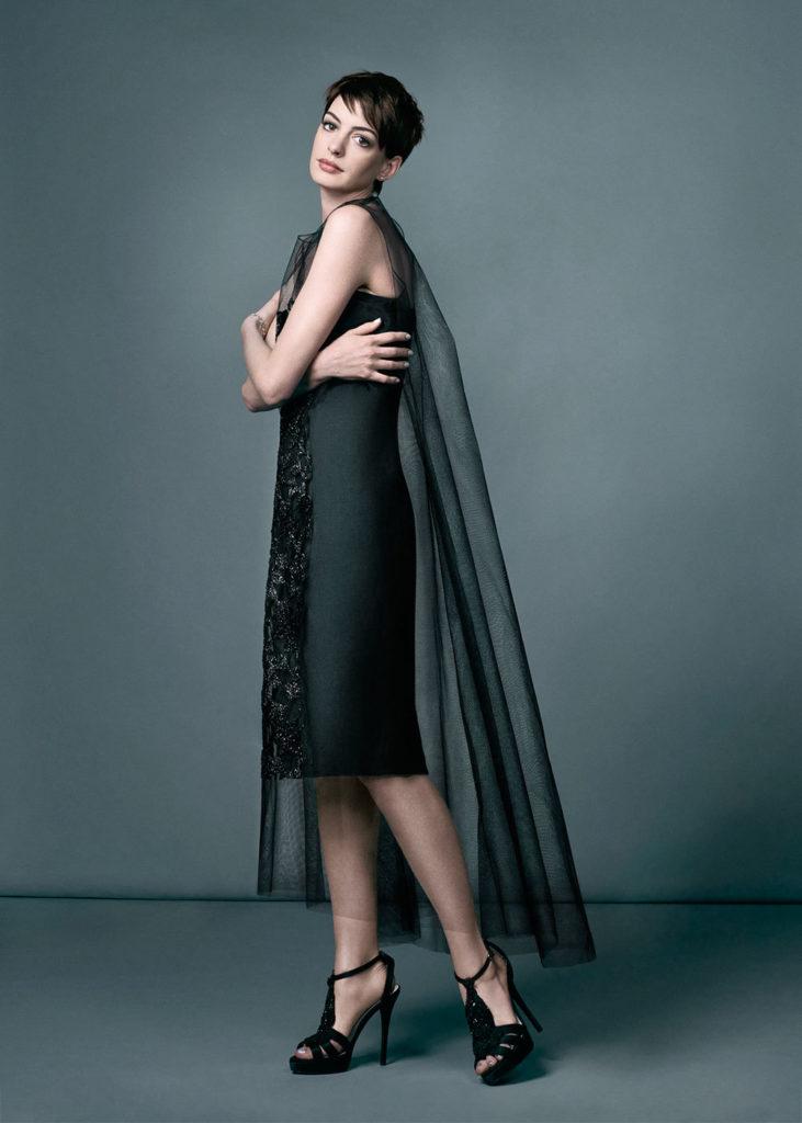 Anne Hathaway Legs Photos
