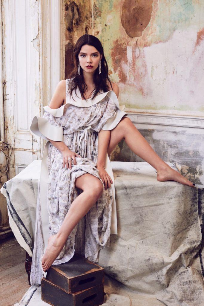 Anya Taylor Joy Legs Images