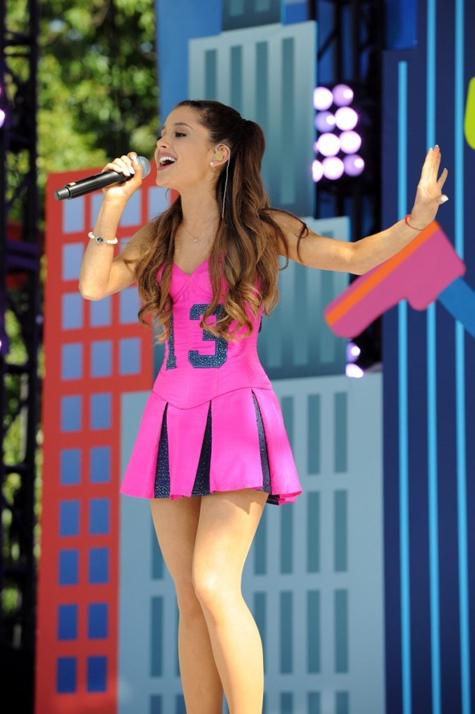 Ariana Grande Feet Pictures