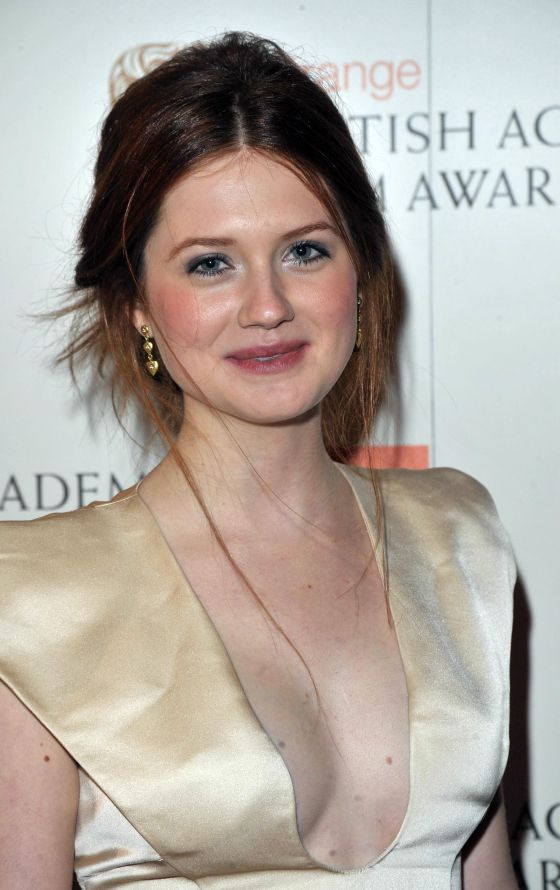 Bonnie Wright Boobs Wallpapers