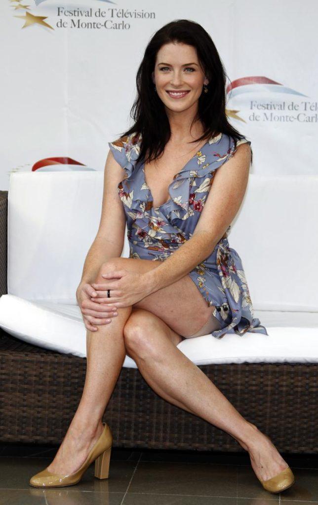 Bridget Regan Hot Bikini Pictures - Kahlan Amnell In
