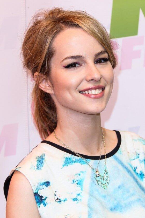 Bridgit Mendler Cute Smile Wallpapers