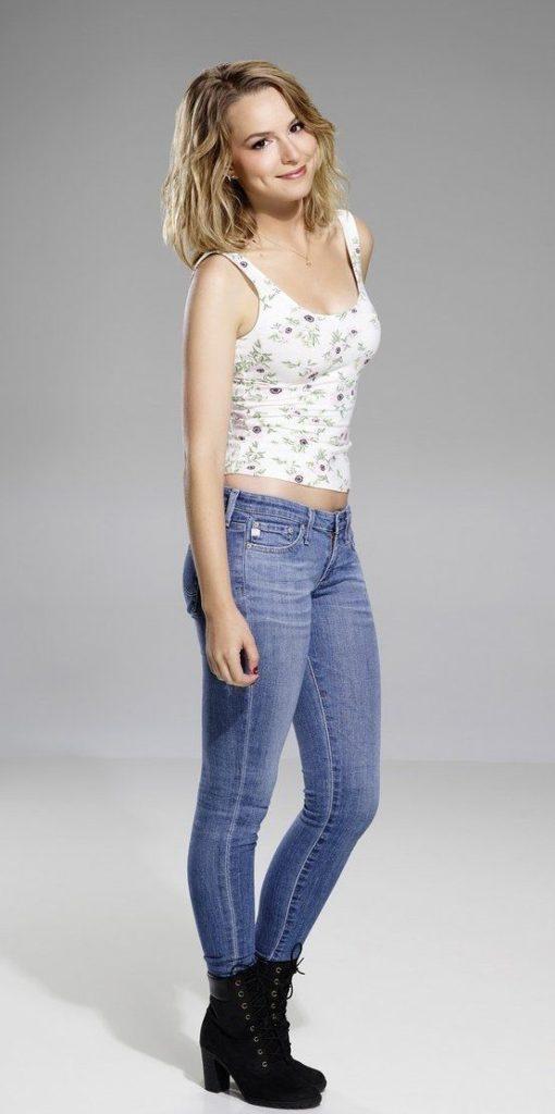Bridgit Mendler Jeans Wallpapers