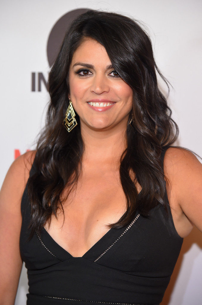 Cecily Strong Boobs Photos
