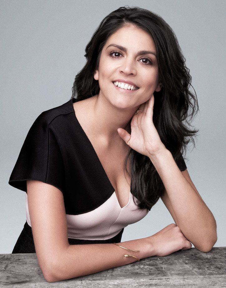 Cecily Strong Cute Smile Photos