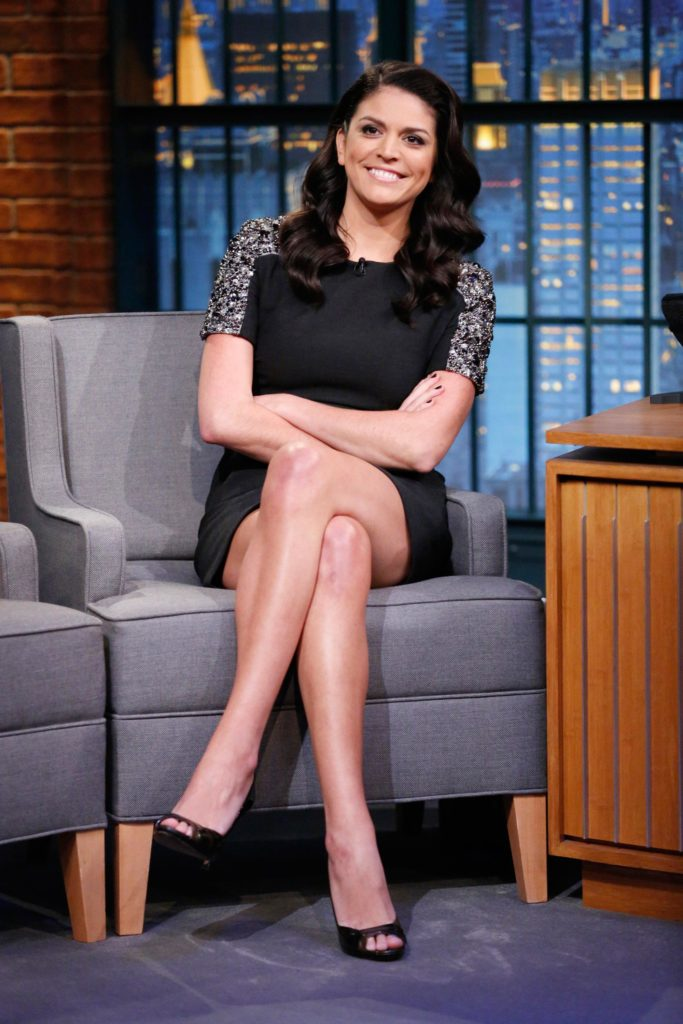 Cecily Strong Undergarments Photos