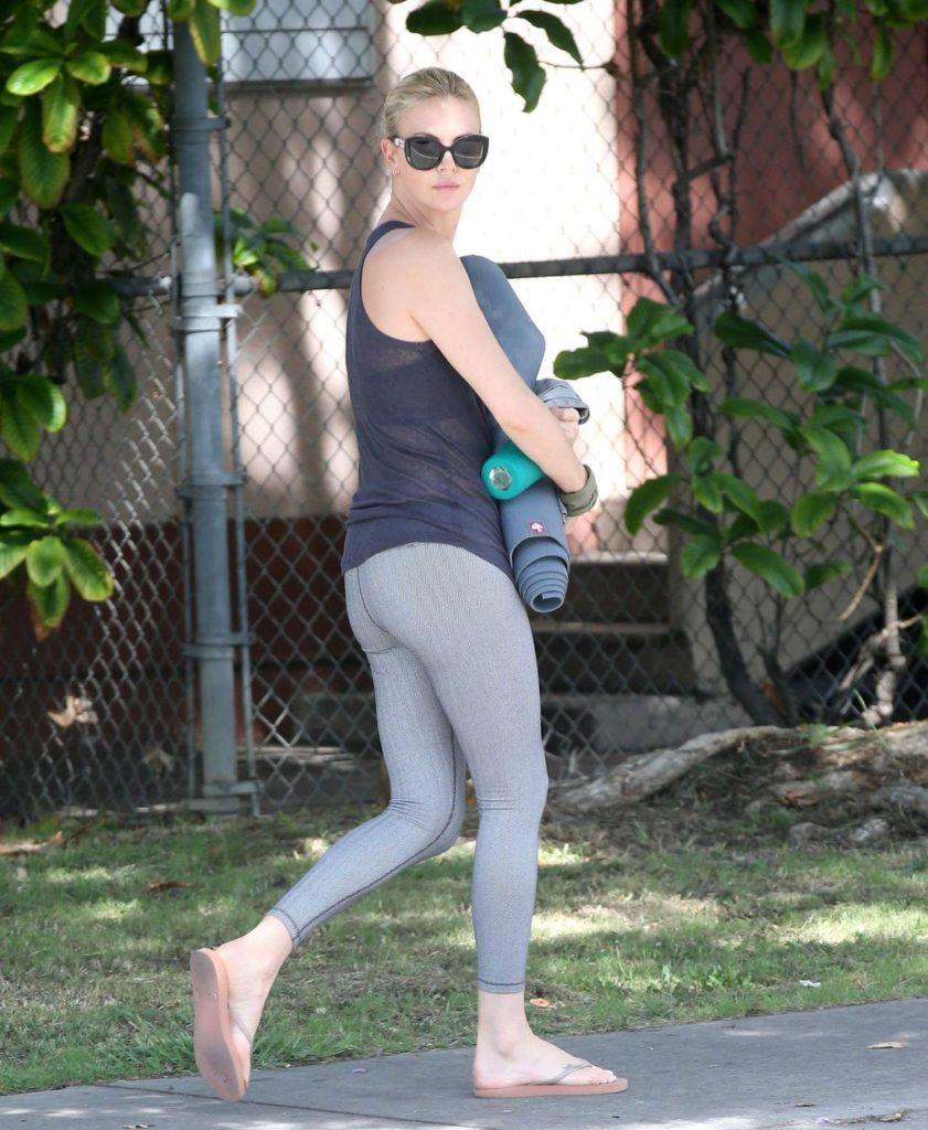 Charlize Theron Leggings Pics