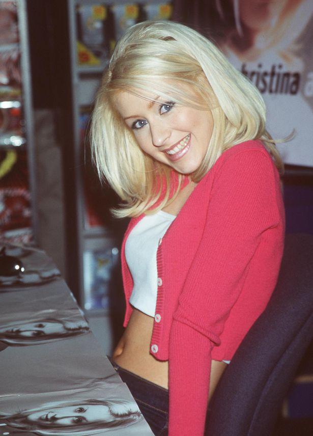 Christina Aguilera Bra Pics