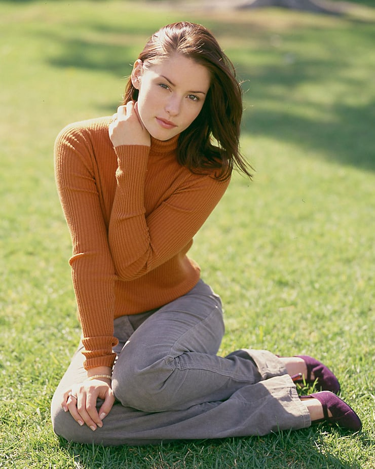 Chyler Leigh Jeans Photos