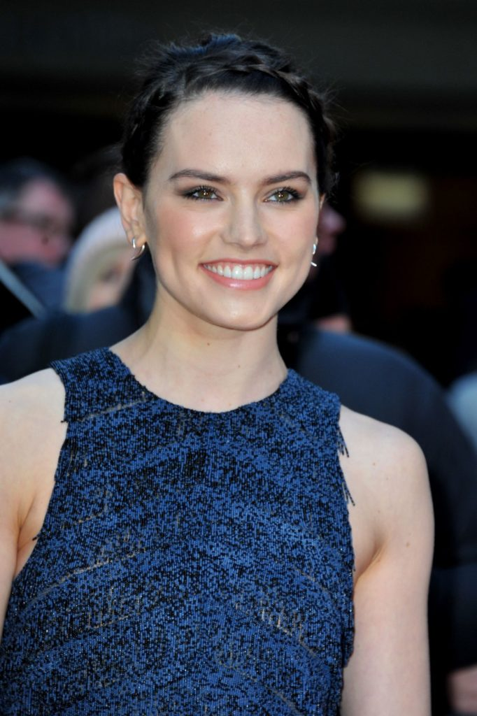 Daisy Ridley Award Show Images