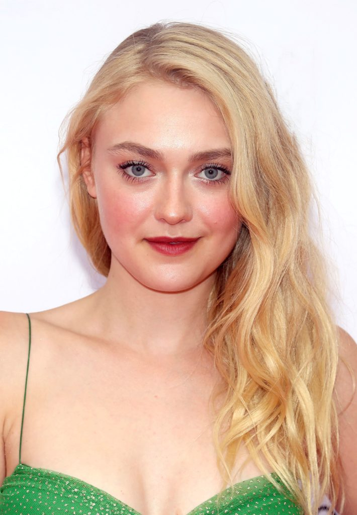 45 Hot Dakota Fanning ...