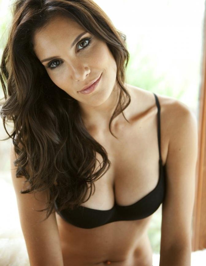 Daniela Ruah Boobs Pics