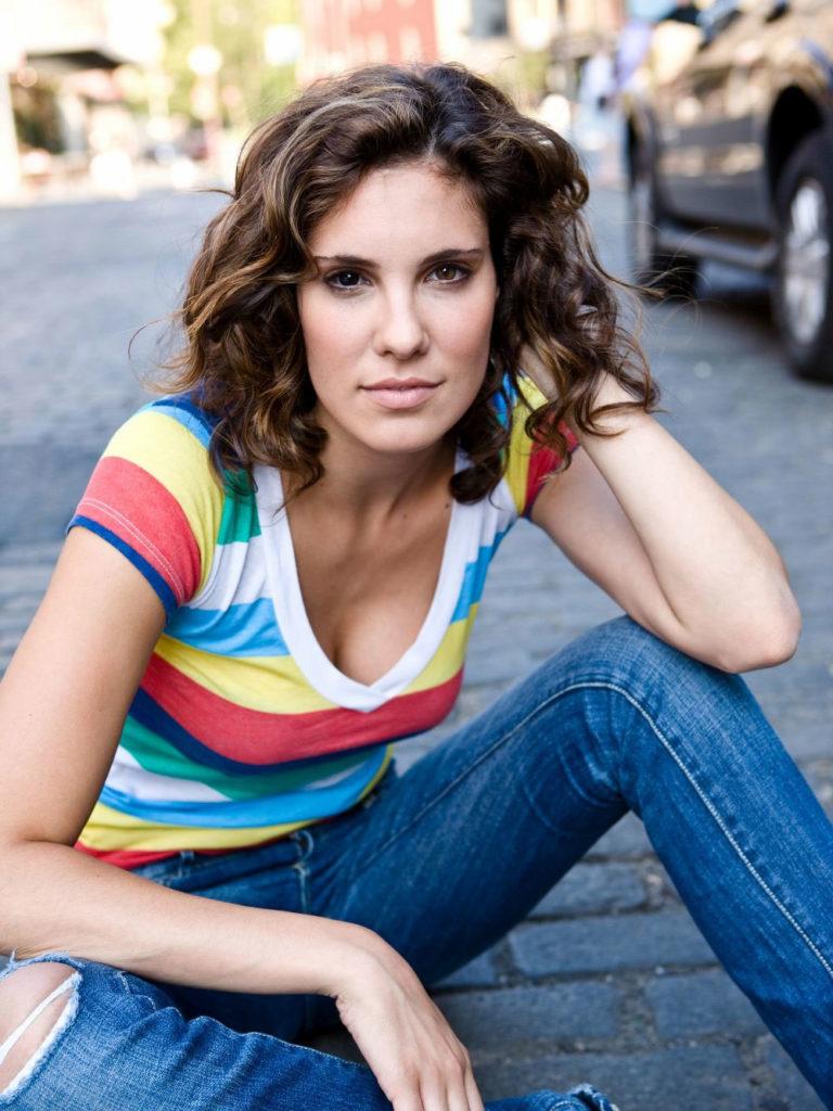 Daniela Ruah Short Hair Images