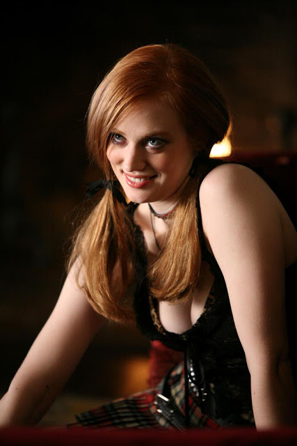 Deborah Ann Woll Boobs Pictures
