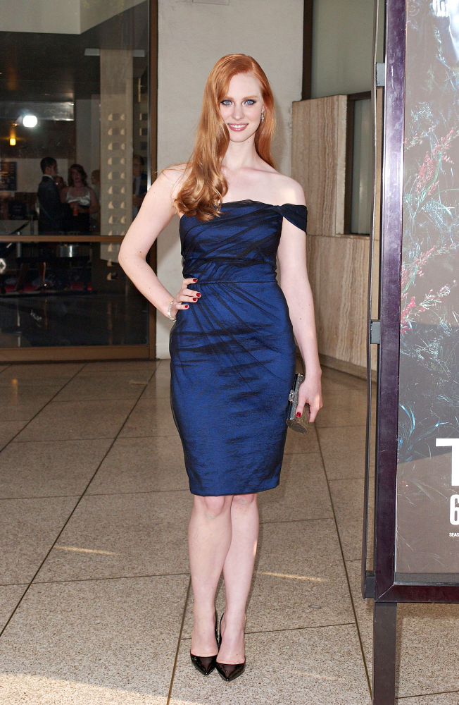 Deborah Ann Woll Feet Photos