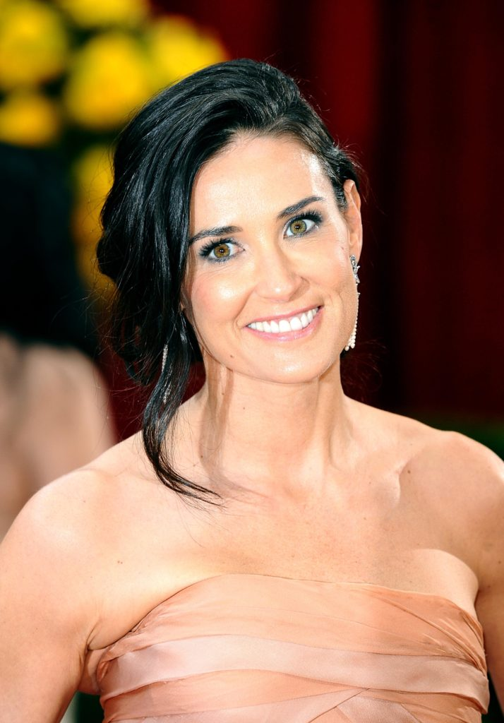 Demi Moore Cute Smile Pics