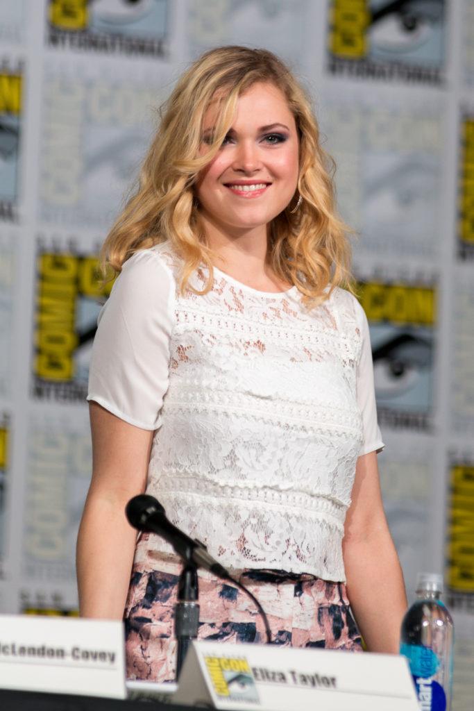 Eliza Taylor Smile Wallpapers