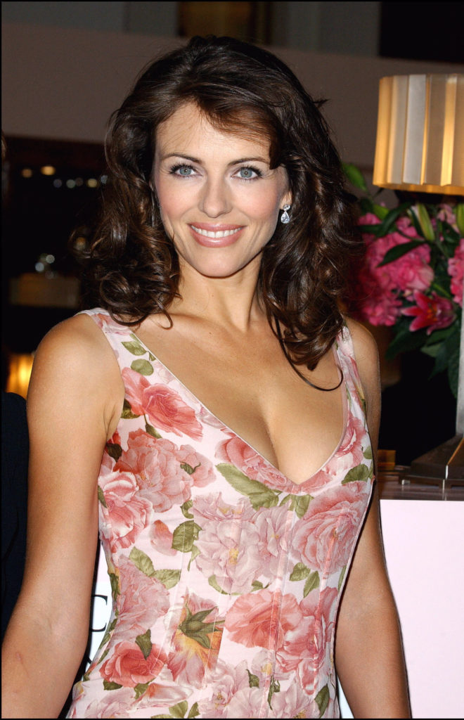 Elizabeth Hurley Cute Smile Wallpapers