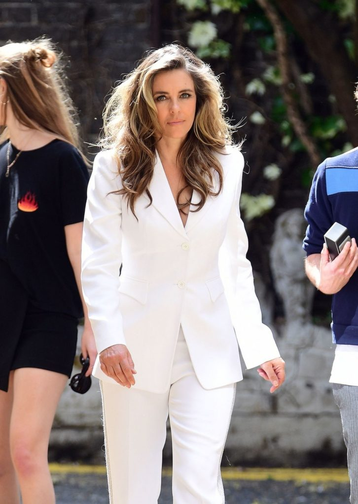 Elizabeth Hurley Jeans Pictures