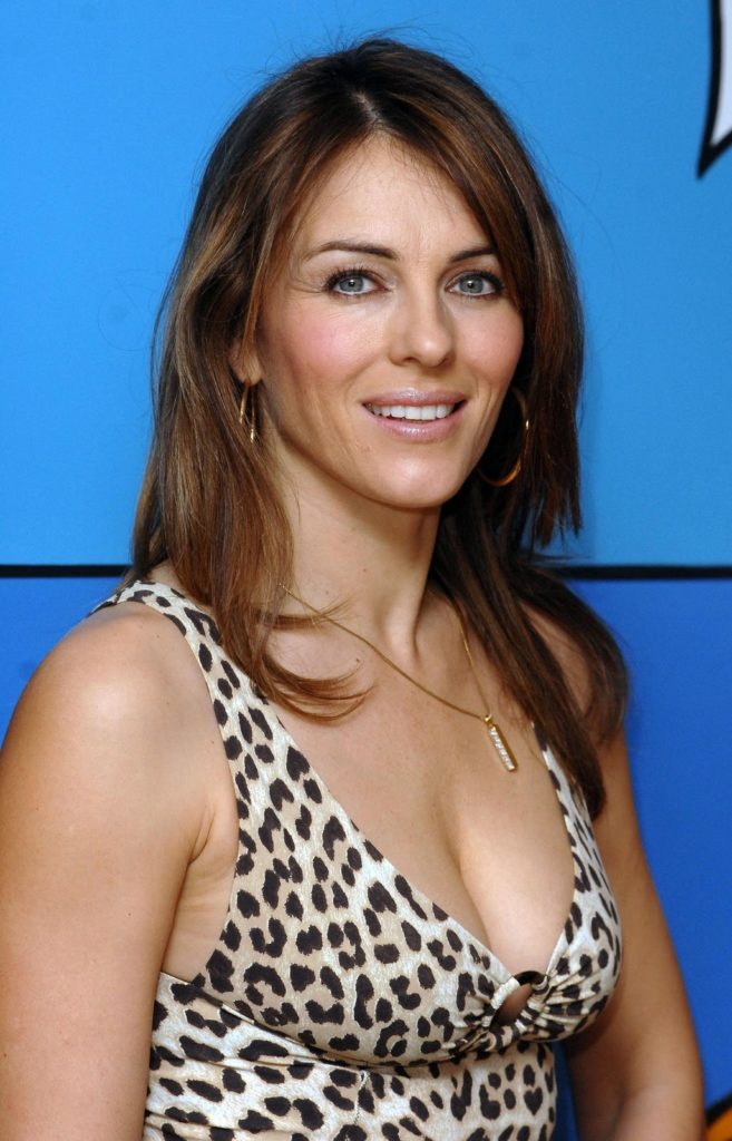 Elizabeth Hurley Shorts Wallpapers
