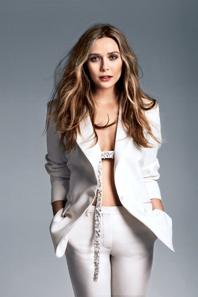 Elizabeth Olsen Jeans Photos