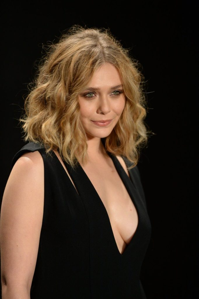 Elizabeth Olsen Topless Photos