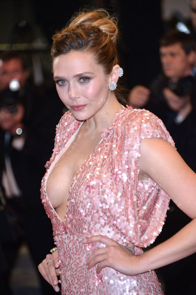 Elizabeth Olsen Without Bra Wallpapers