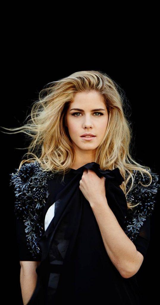 Emily Bett Rickards Hair Style Pics