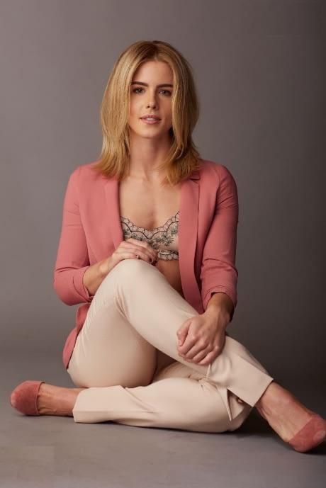 Emily Bett Rickards Jeans Photos